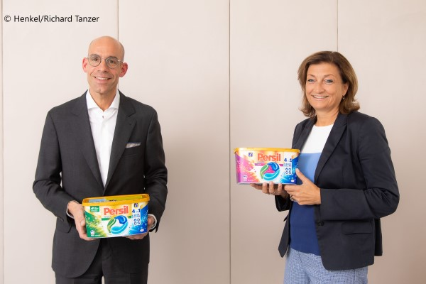 Axel Kühner, CEO, Greiner AG und Birgit Rechberger-Krammer, Corporate Senior Vice President Laundry & Home Care Europe, Henkel
